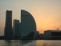 över solnedgången yokohama Arkivfoto