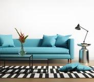 与一个蓝色turqoise沙发的现代内部在客厅 库存图片