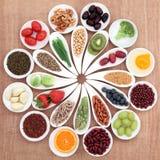 健康食品盛肉盘 免版税库存图片