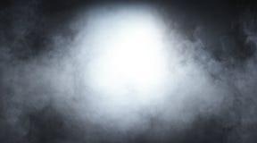 在黑背景的浅灰色的烟 免版税图库摄影