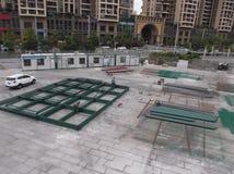 工作者在焊接的建造场所 免版税库存图片