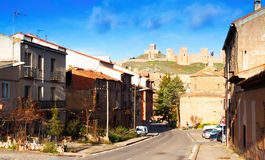 Ansicht von Molina de Aragonien mit Schloss Stockfotos