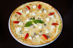 Appetizing pizza with seafood Royalty Free Stock Images