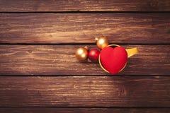 Babioles et jouet de forme de coeur Image stock