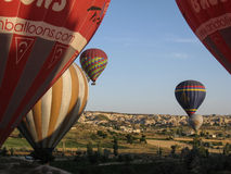 Ballonger i Cappadocia Turkiet Royaltyfri Foto