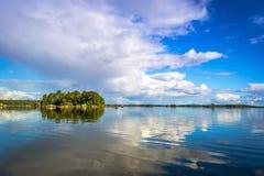 Bello arcipelago svedese del lago Immagine Stock