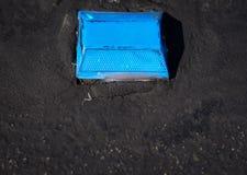 Blå gatareflektor Arkivbild