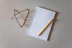 Blocco note e matita Fotografia Stock