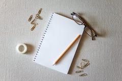 Blocco note e matita Immagine Stock Libera da Diritti