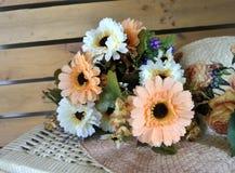 Blommor och höhatt Fotografering för Bildbyråer