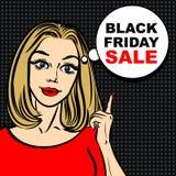 Bolla nera di vendita di venerdì e donna di Pop art per indicare il dito Immagini Stock