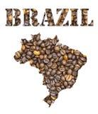 Brasilien-Wort und Landkarte formten mit Kaffeebohnehintergrund Stockfotografie