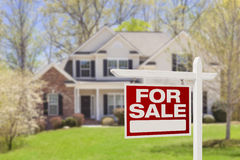 Casa da vendere il segno e la Camera di Real Estate Fotografia Stock