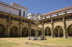 Chiesa del patio Immagine Stock