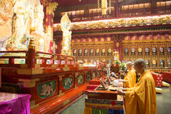 CHINATOWN, SINGAPORE - OCTOBER 12, 2015: interior of buddha toot Royalty Free Stock Images