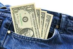 Contas do dólar americano No bolso de calças de ganga do empregado. Fotos de Stock Royalty Free