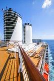 Costa Luminosa della nave da crociera I turisti si rilassano e prendono un bagno del sole su dicembre superiore Fotografia Stock