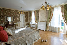 Cosy light bedroom Royalty Free Stock Images