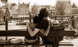 Couple hugging Royalty Free Stock Photos
