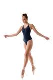 Dança encantador da mulher em sapatas do pointe do bailado Foto de Stock