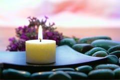 De Kaars van Aromatherapy in een Kuuroord Stock Afbeeldingen