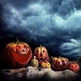 De pompoenen van Halloween bij nacht Royalty-vrije Stock Foto's