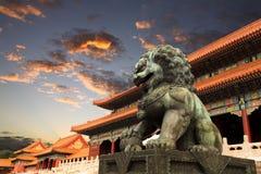 De verboden stad met zonsonderganggloed in Peking Stock Afbeelding
