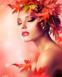 De Vrouw van de herfst Stock Afbeelding
