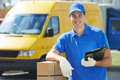 Delivery man with parcel box Royalty Free Stock Photography