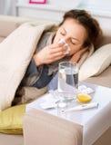 Donna ammalata. Influenza Fotografie Stock Libere da Diritti