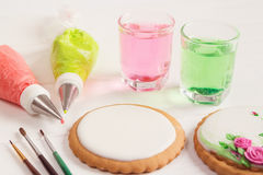 Empty icing cookie prepared for decorating Royalty Free Stock Images