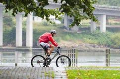 Fahrrad und Regen Stockfoto
