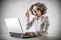 Geschäftsfrau, die eine Idee hat Lizenzfreies Stockbild