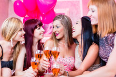 Girls partying in night club Royalty Free Stock Photography