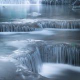 Haga sonar el paisaje con la cascada de Erawan Kanchanaburi, Tailandia Fotos de archivo libres de regalías
