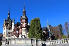 Herbst am Peles-Schloss, Rumänien Lizenzfreie Stockbilder