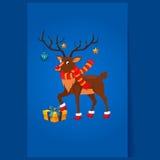 Hjortar med en julgirland Arkivfoton