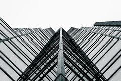 Hohes Anstiegglasgebäude Stockfotos
