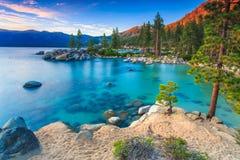 Jeziorny Tahoe przy zmierzchem Obrazy Royalty Free