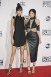 Kendall Jenner und Kylie Jenner Stockfotos