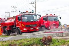 Löschfahrzeuge mit elektrischem Pfosten fielen Stockfotos