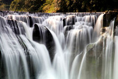 La cascada más grande de Taipei, Taiwán Imagen de archivo