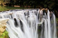 La cascada más grande de Taipei, Taiwán Fotos de archivo