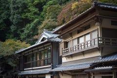 La construcción de viviendas vieja en Mino cae Meiji-ningún-mori parque Cuasi-nacional de Mino Fotos de archivo libres de regalías