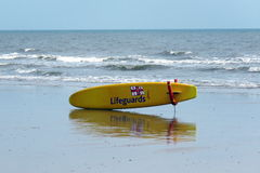 Leibwächterkörperbrett auf dem Strand bei Bridlington Großbritannien Lizenzfreies Stockbild