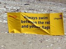 Leibwächterwindschutz auf dem Strand bei Bridlington Großbritannien Stockbild