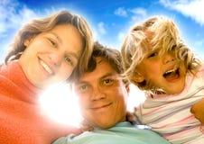 lycklig stående för familj Fotografering för Bildbyråer
