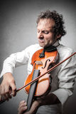 Man playing the violin Royalty Free Stock Images