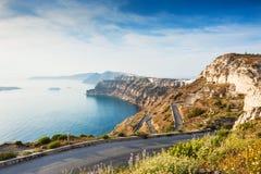 Mountain road to the port on Santorini island, Greece Stock Photography