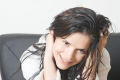 Mulher com cabelo molhado Fotografia de Stock
